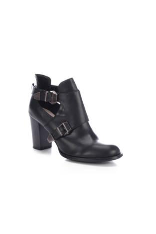 Обувки на ток The Divine Factory