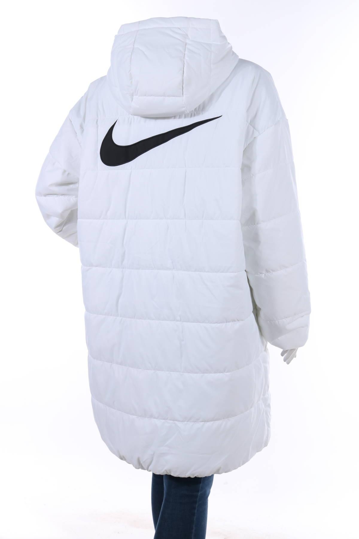 Спортно яке Nike2