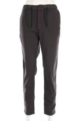 Спортен панталон Ssense