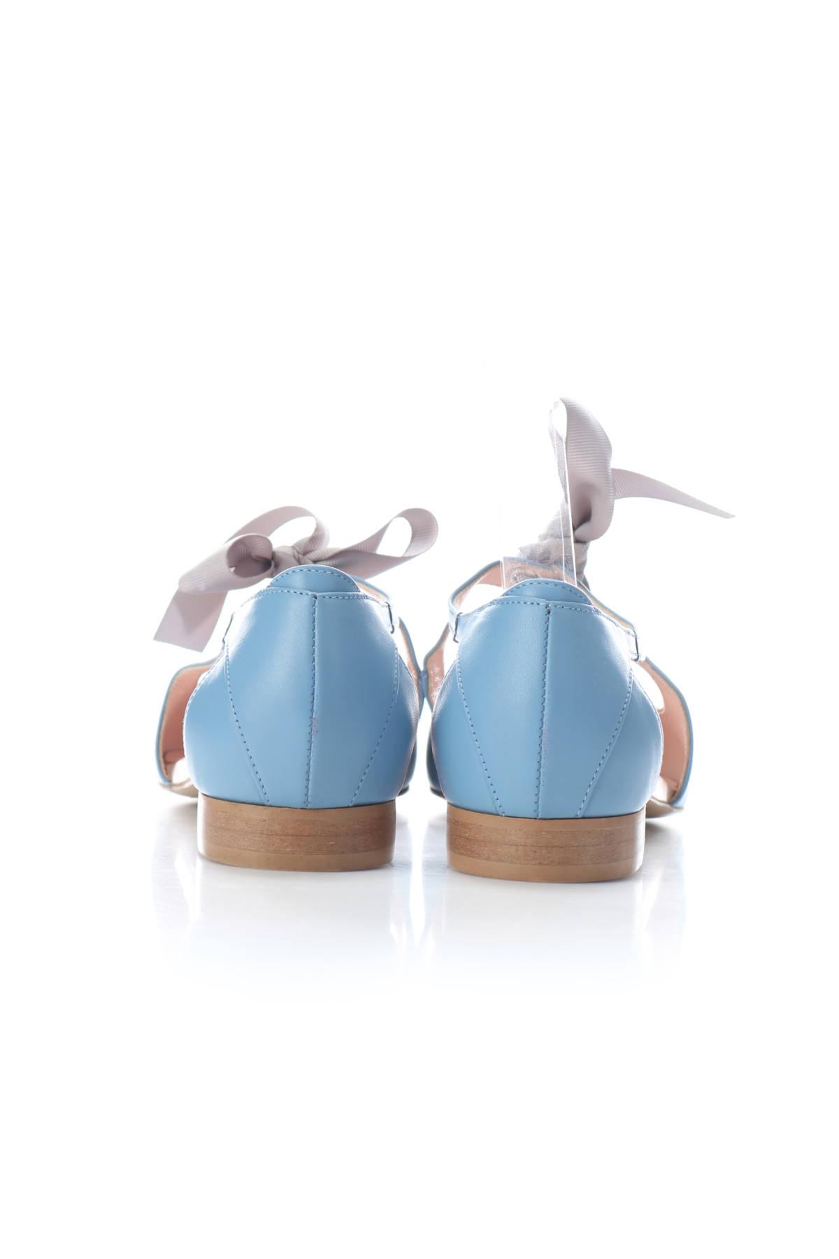 Ниски сандали L373