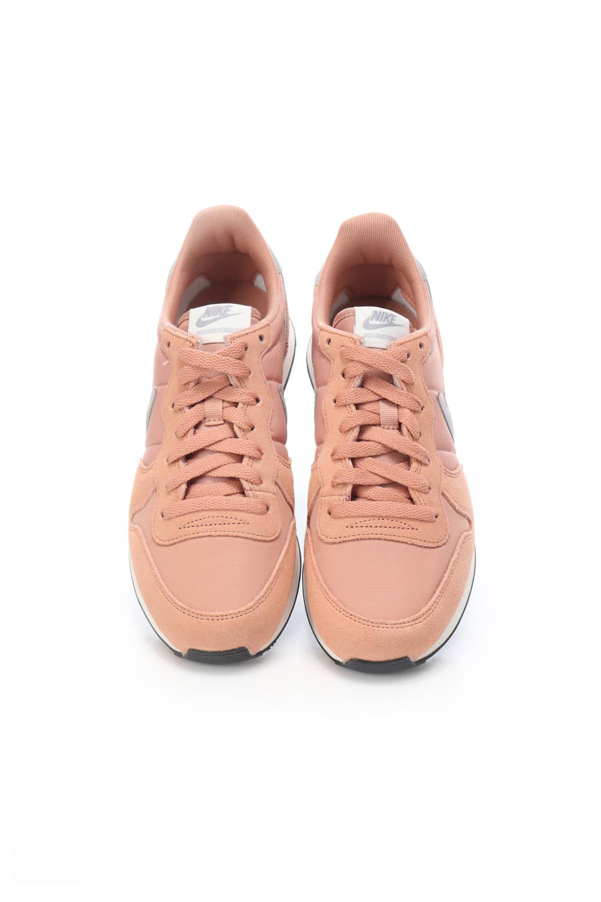 Спортни обувки Nike2
