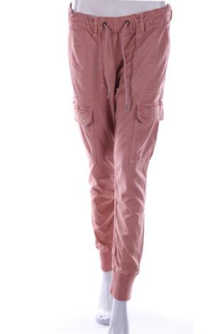 Спортен панталон Pepe Jeans