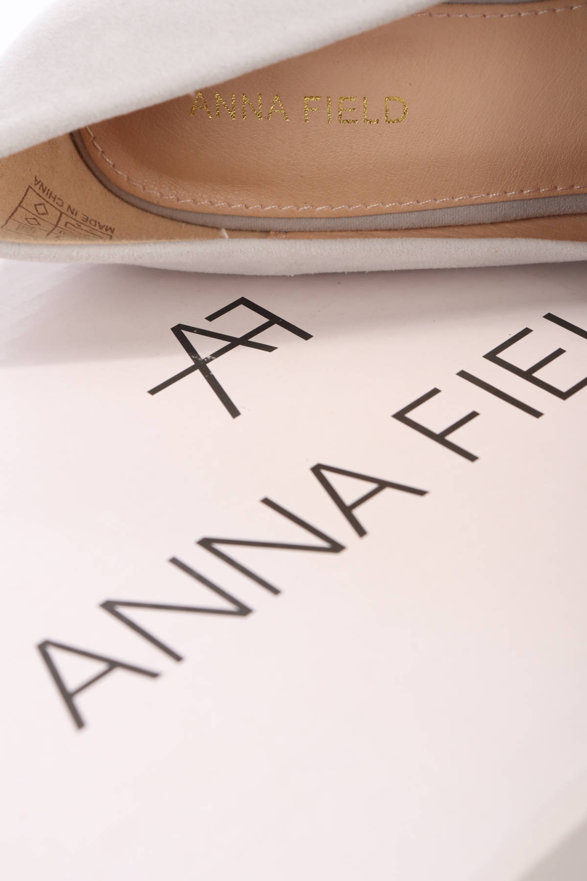Обувки на ток ANNA FIELD4