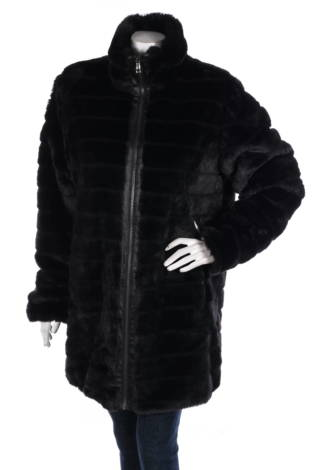 Палто с косъм CJC