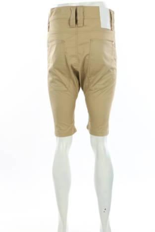 Къси панталони Humor2
