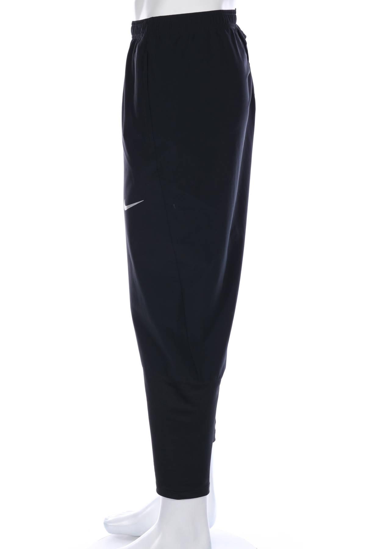 Спортно долнище Nike Acg3
