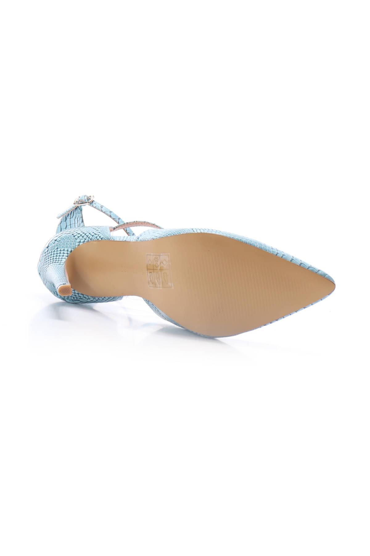 Обувки на ток Lost ink5