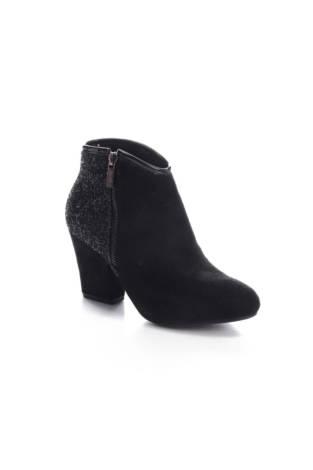 Обувки на ток Vlod