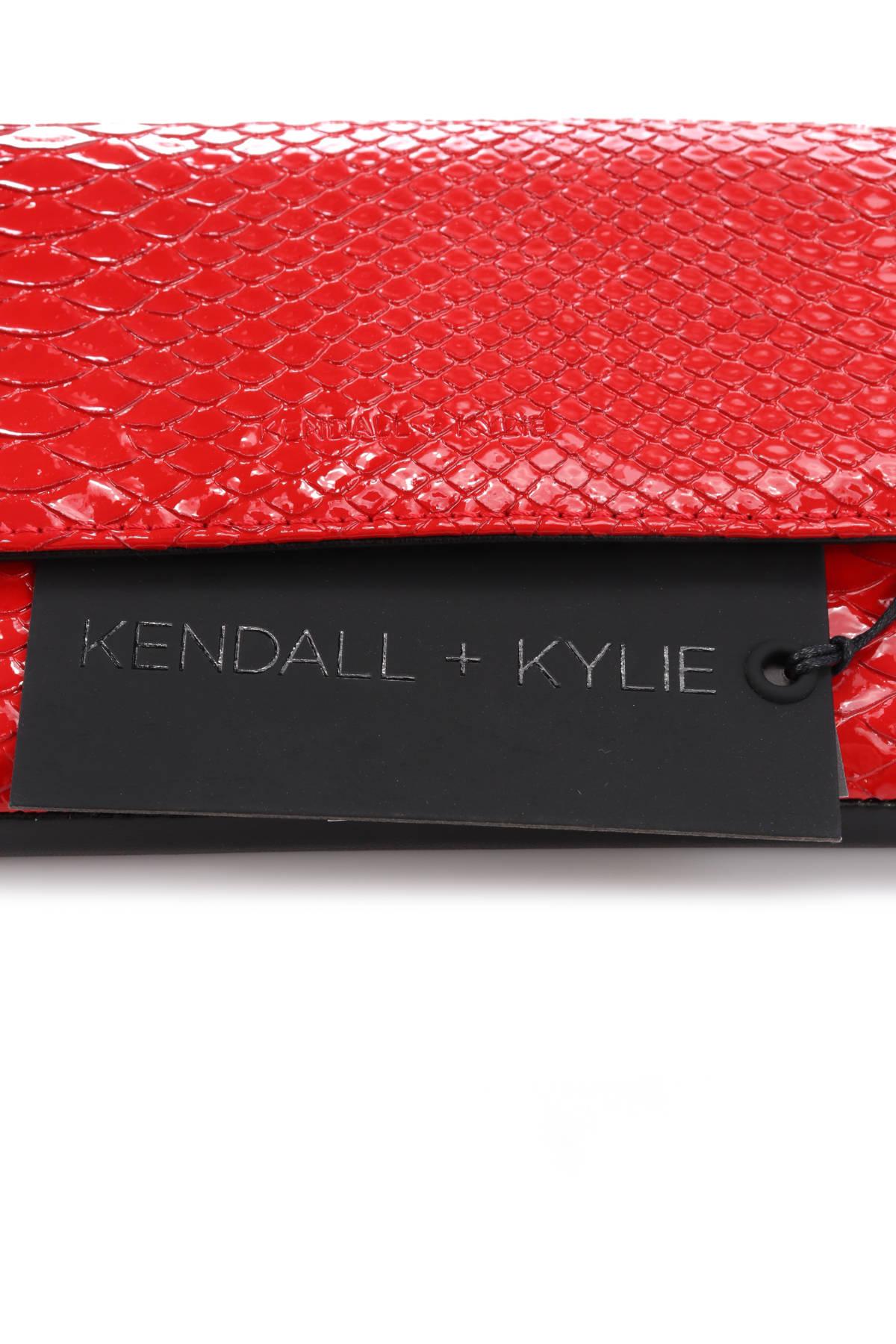 Кожена чанта KENDALL&KYLIE3