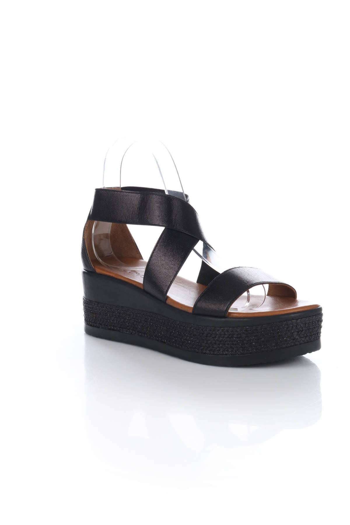 Ниски сандали INUOVO1