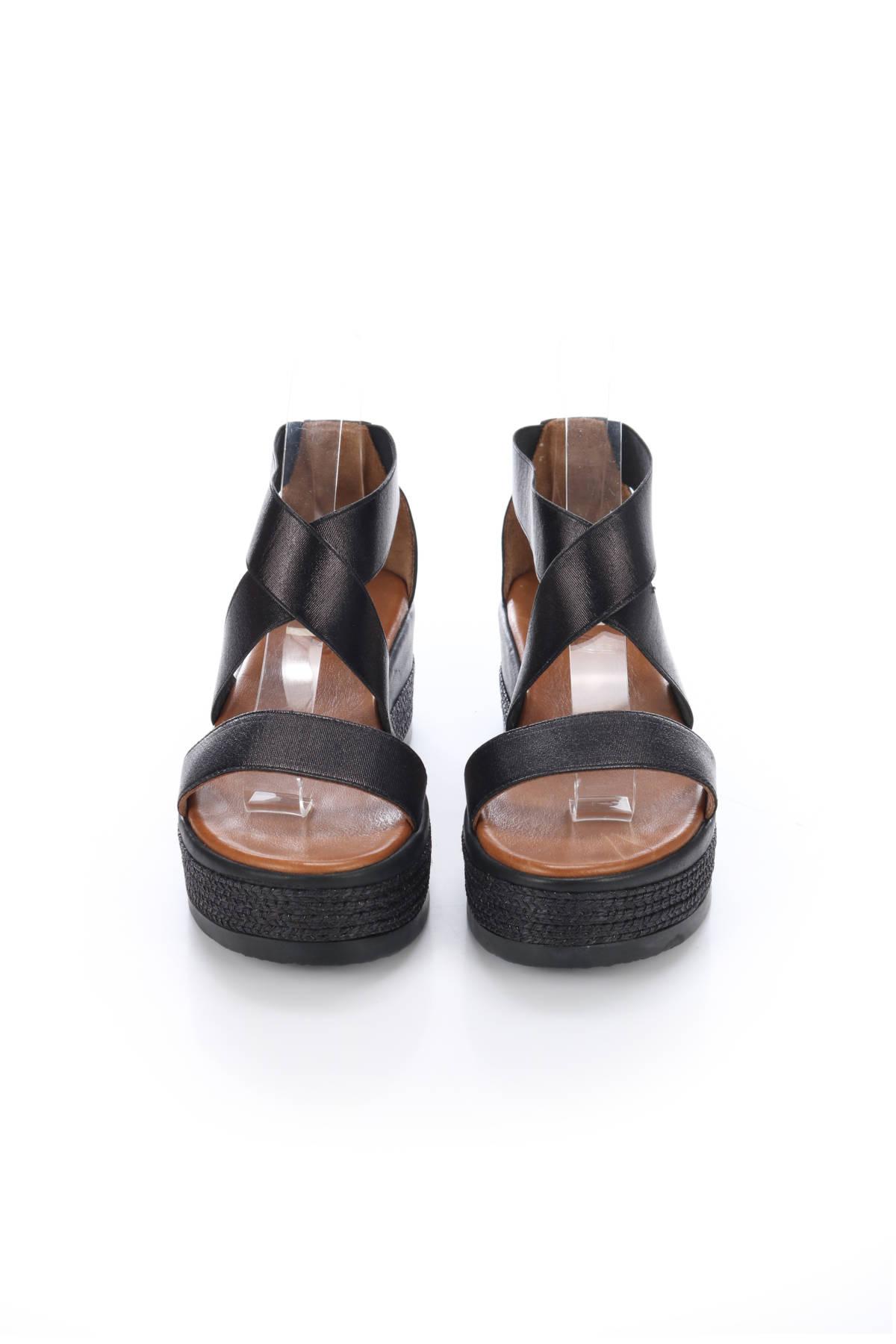 Ниски сандали INUOVO2