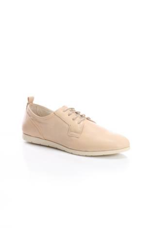 Спортни обувки Bata