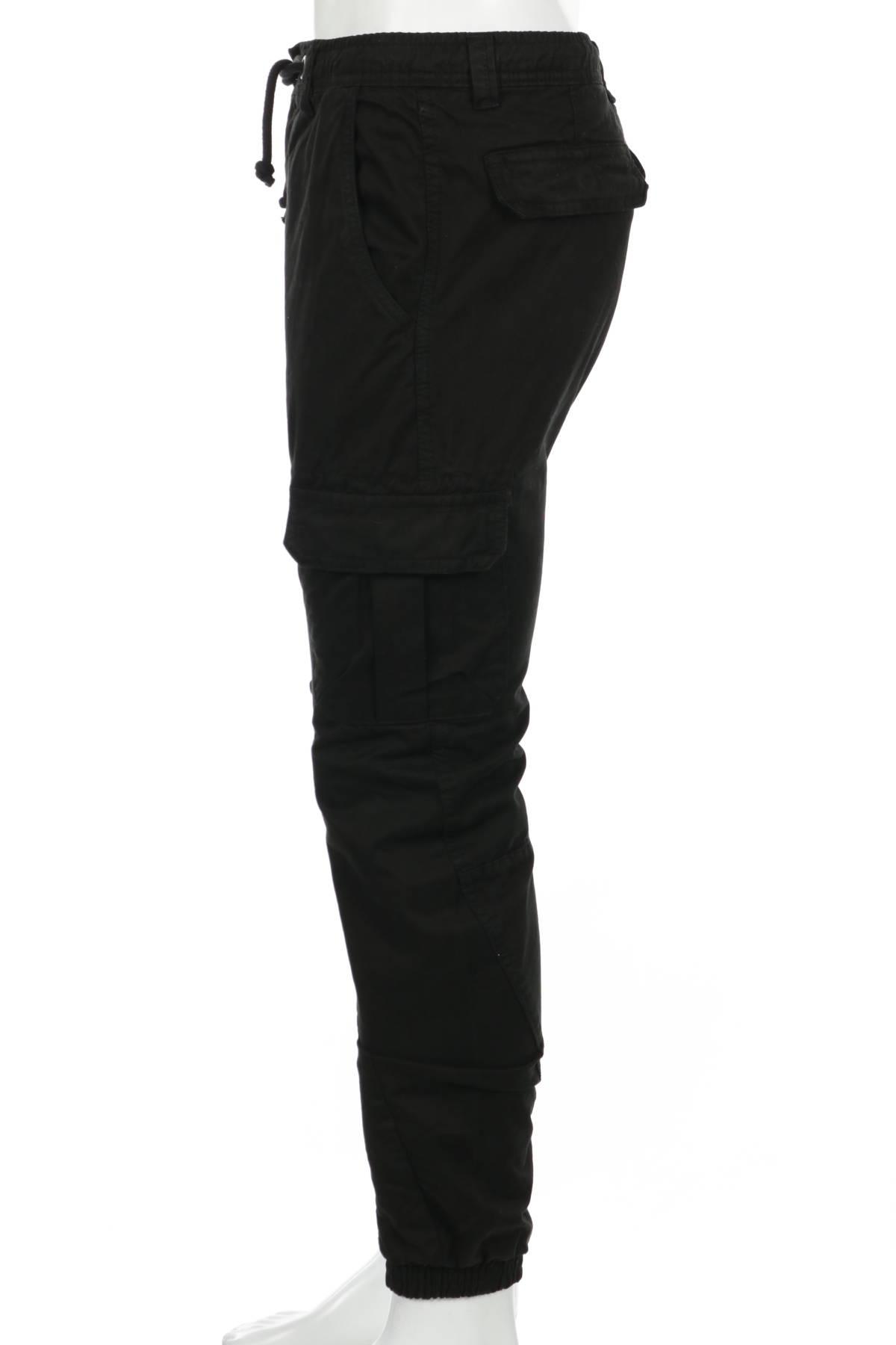 Спортен панталон URBAN CLASSICS3