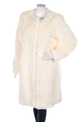 Палто с косъм Different