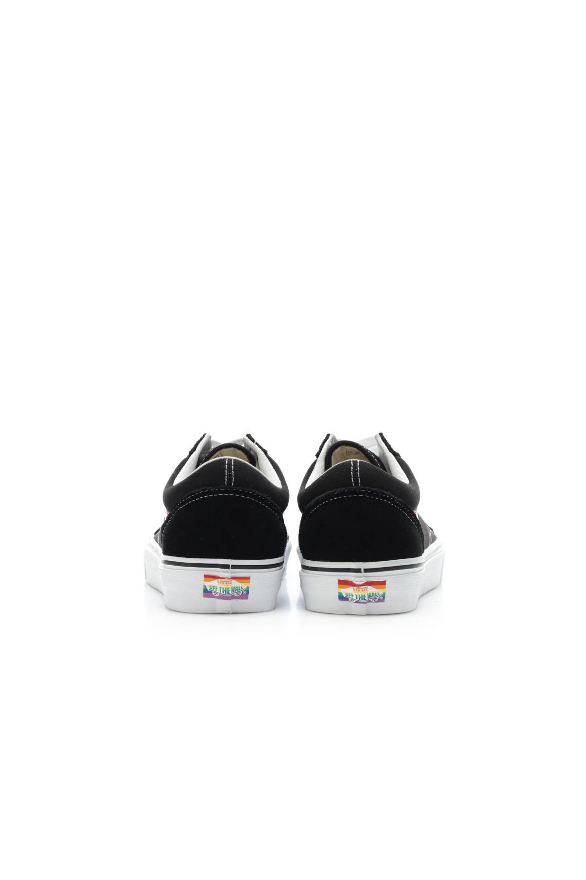 Спортни/Ежедневни обувки VANS3