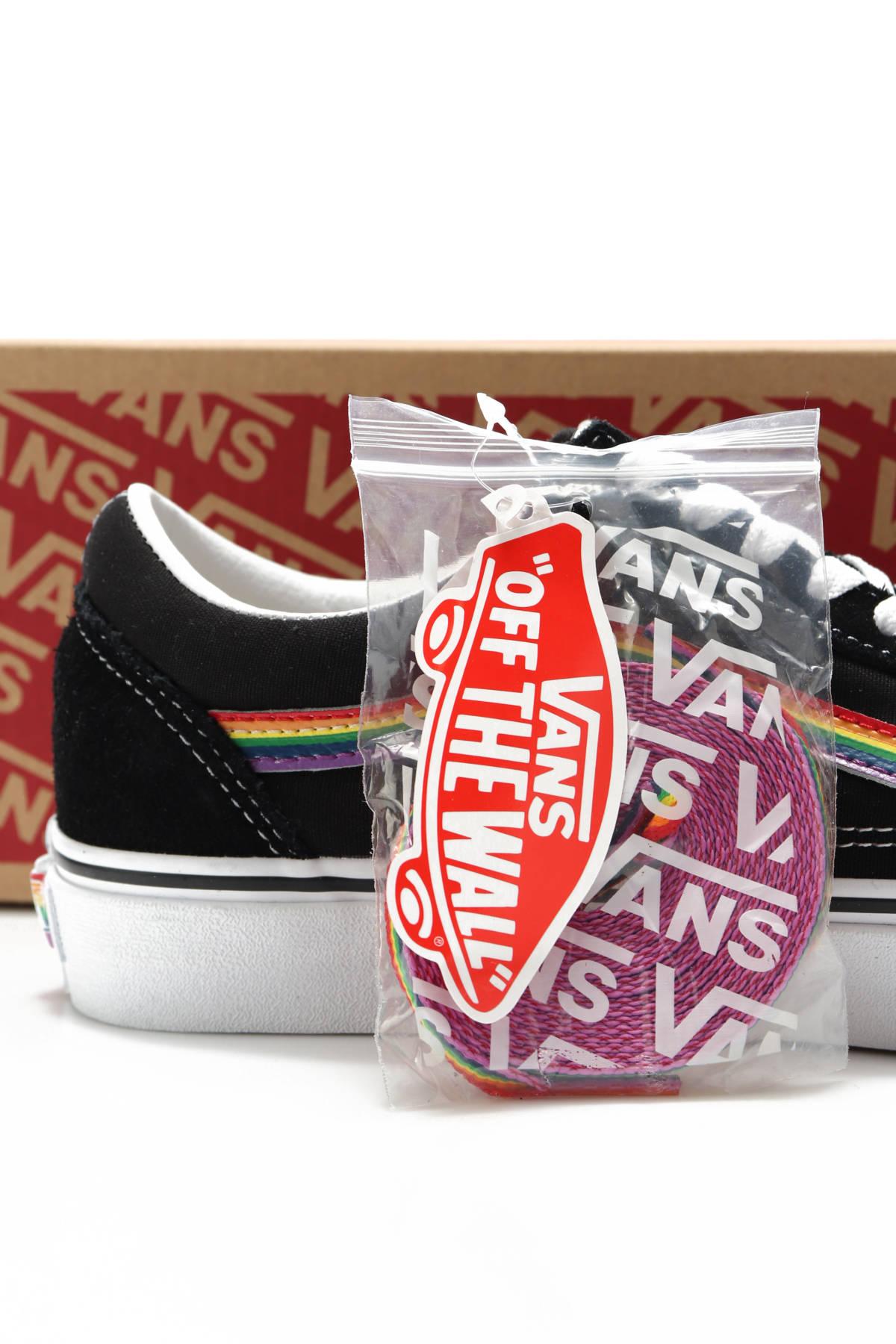 Спортни/Ежедневни обувки VANS4