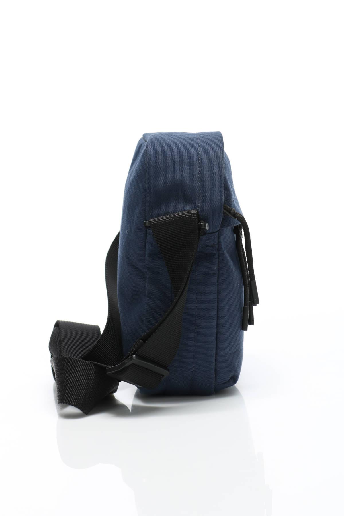 Чанта Lacoste4