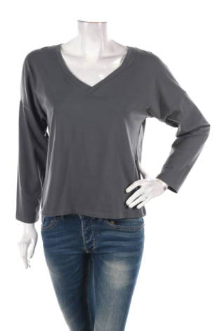 Блуза MOE