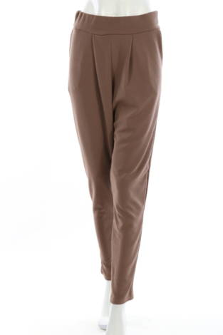 Елегантен панталон Boohoo