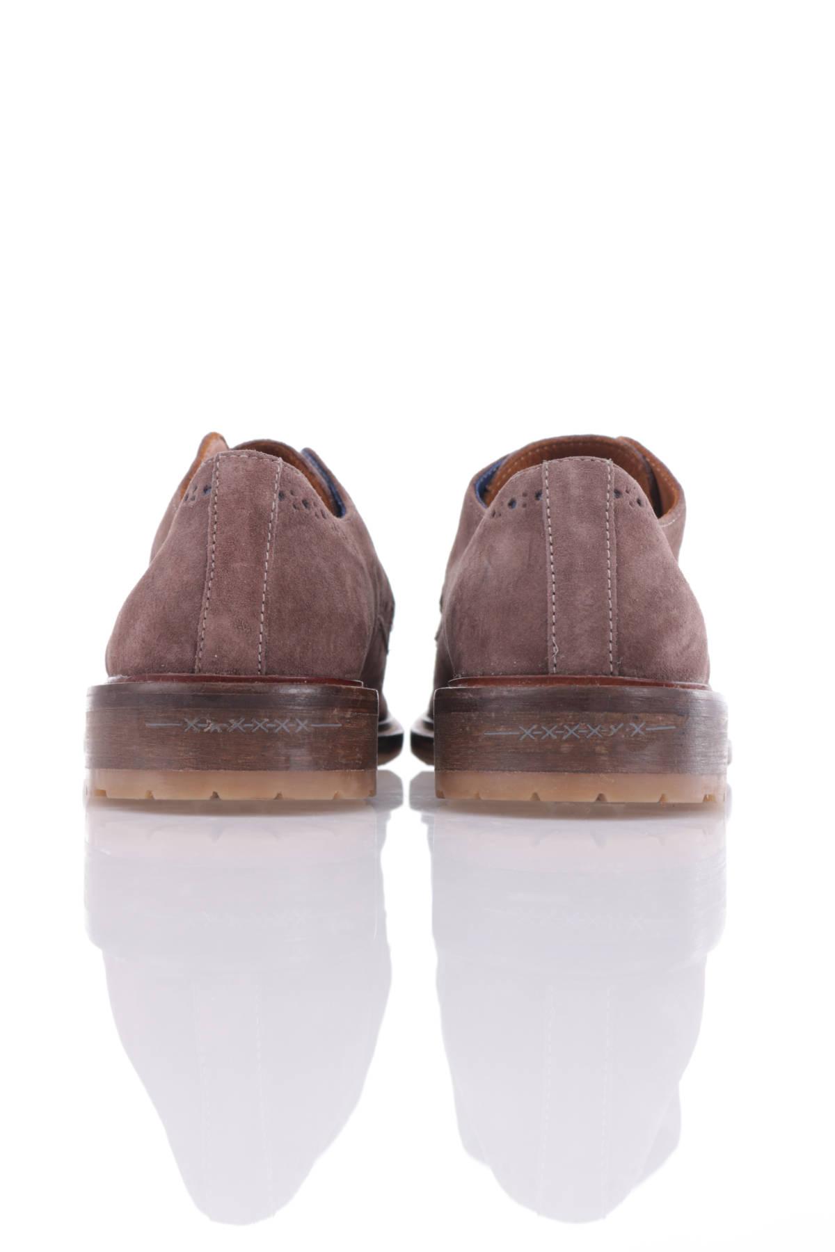 Ниски обувки Van Gils2
