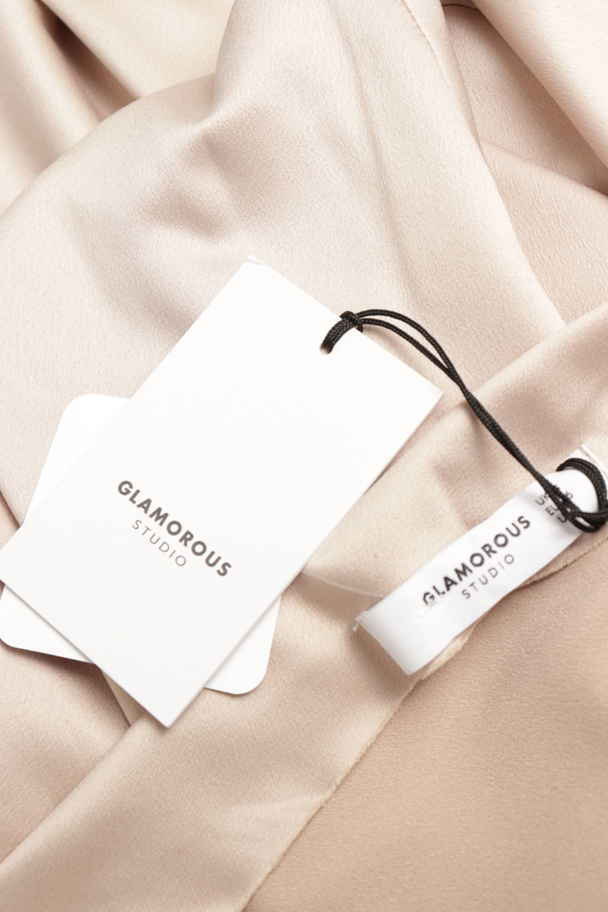 Официална рокля GLAMOROUS3