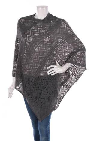 Пончо Britt's knits