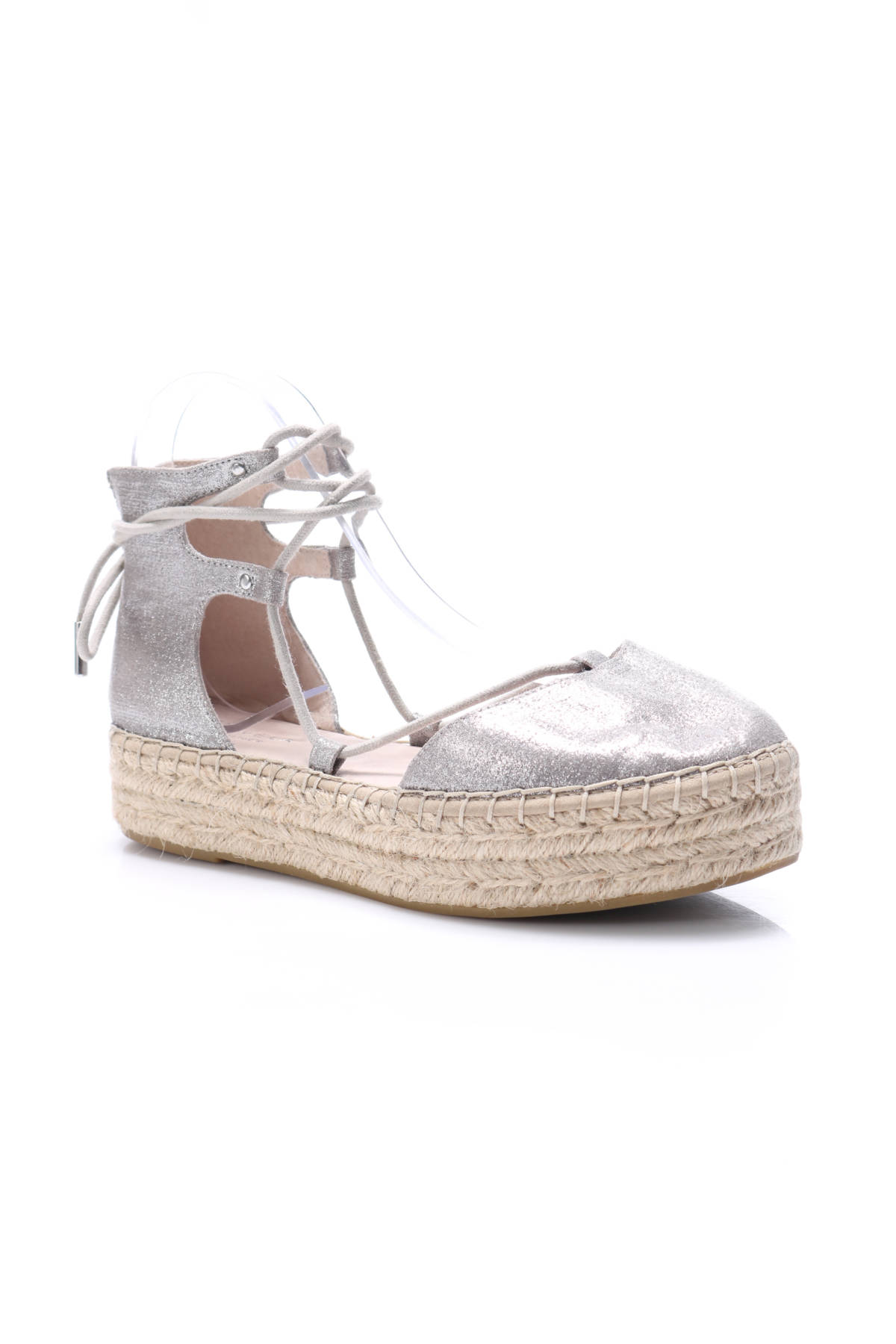 Ниски обувки Carvela1