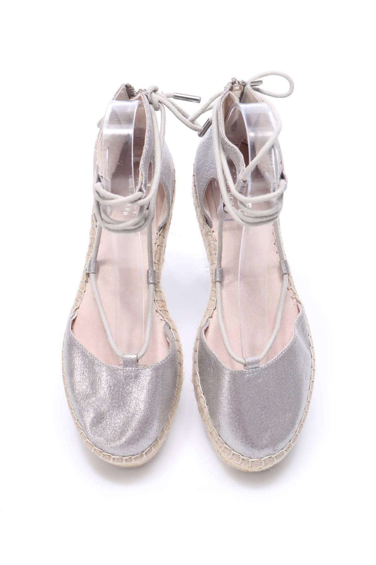 Ниски обувки Carvela2