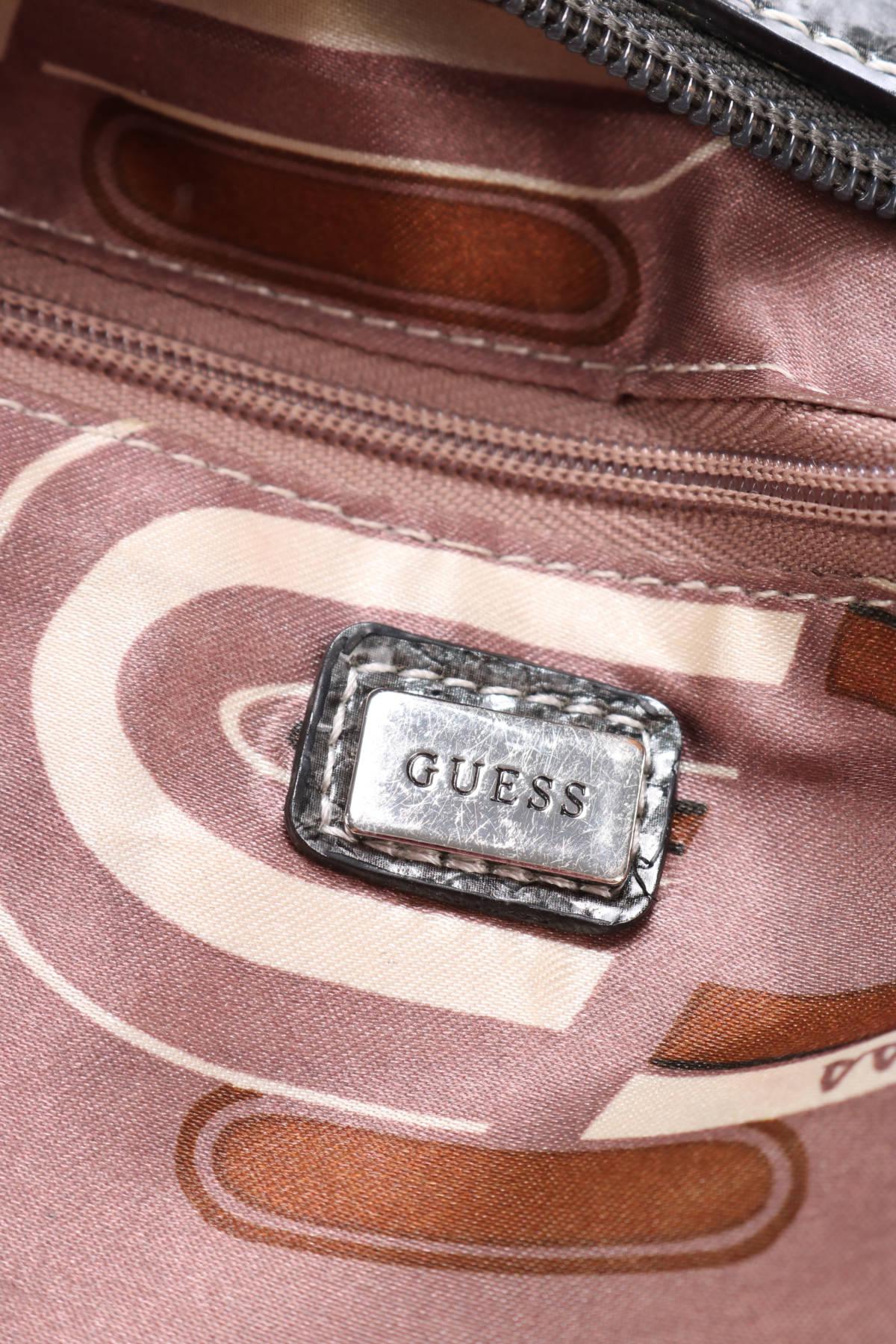 Чанта Guess3