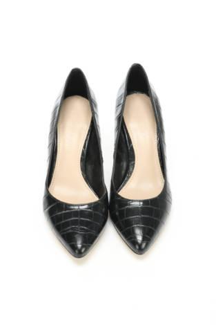 Обувки на ток CHARLES & KEITH