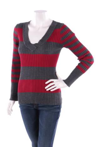 Пуловер LOVE BY DESIGN