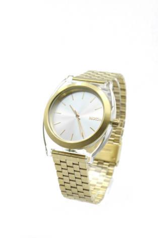 Часовник Nixon