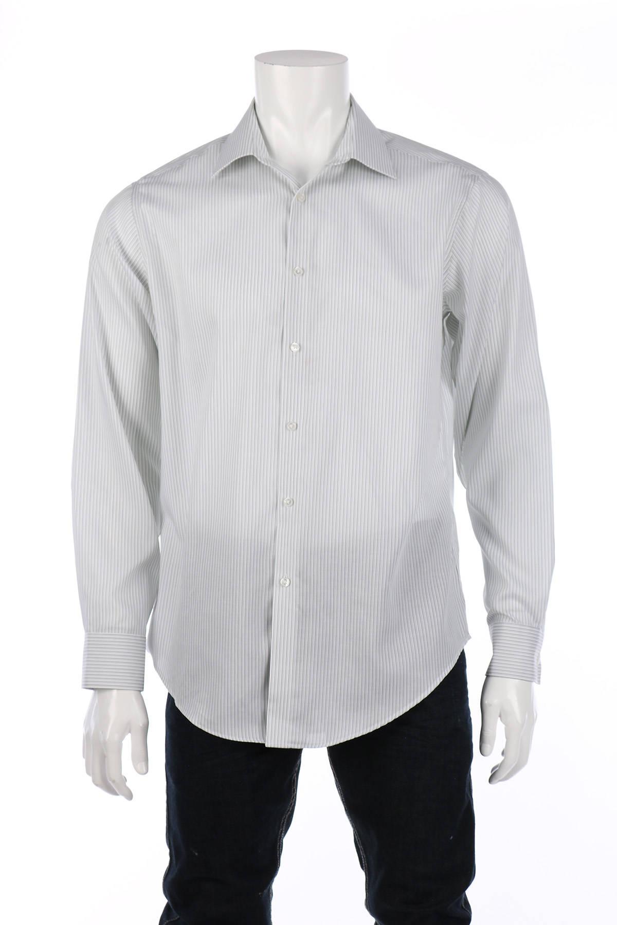 Риза Calvin Klein1