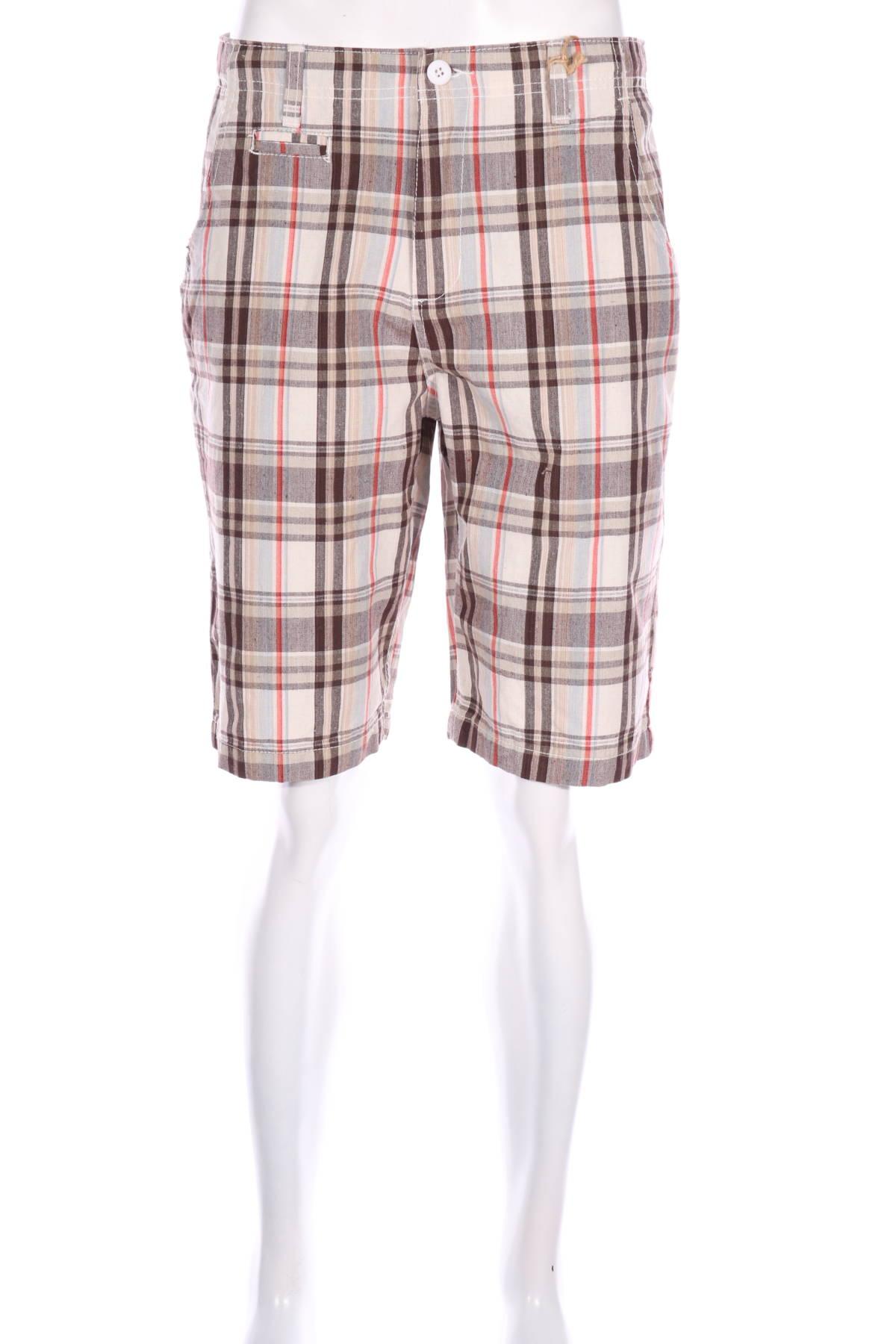 Къси панталони Abercrombie & Fitch1