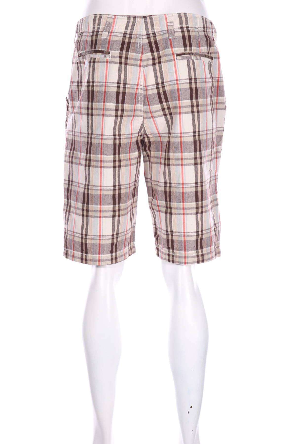 Къси панталони Abercrombie & Fitch2