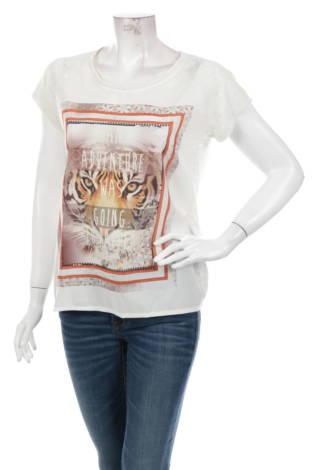 Тениска с щампа GEISHA