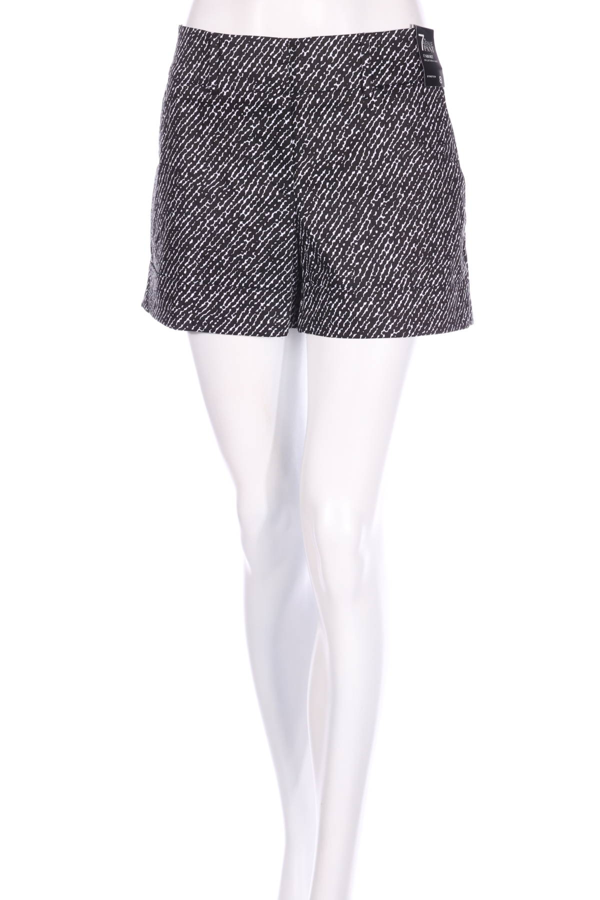 Къси панталони New York & Company1