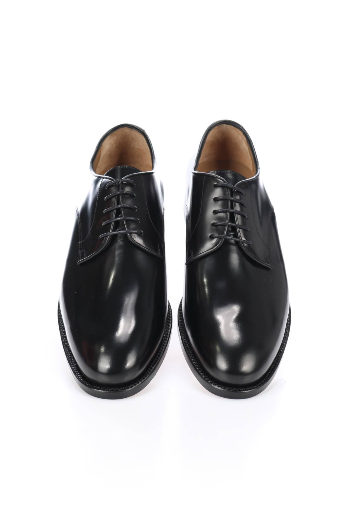 Елегантни обувки British Passport2