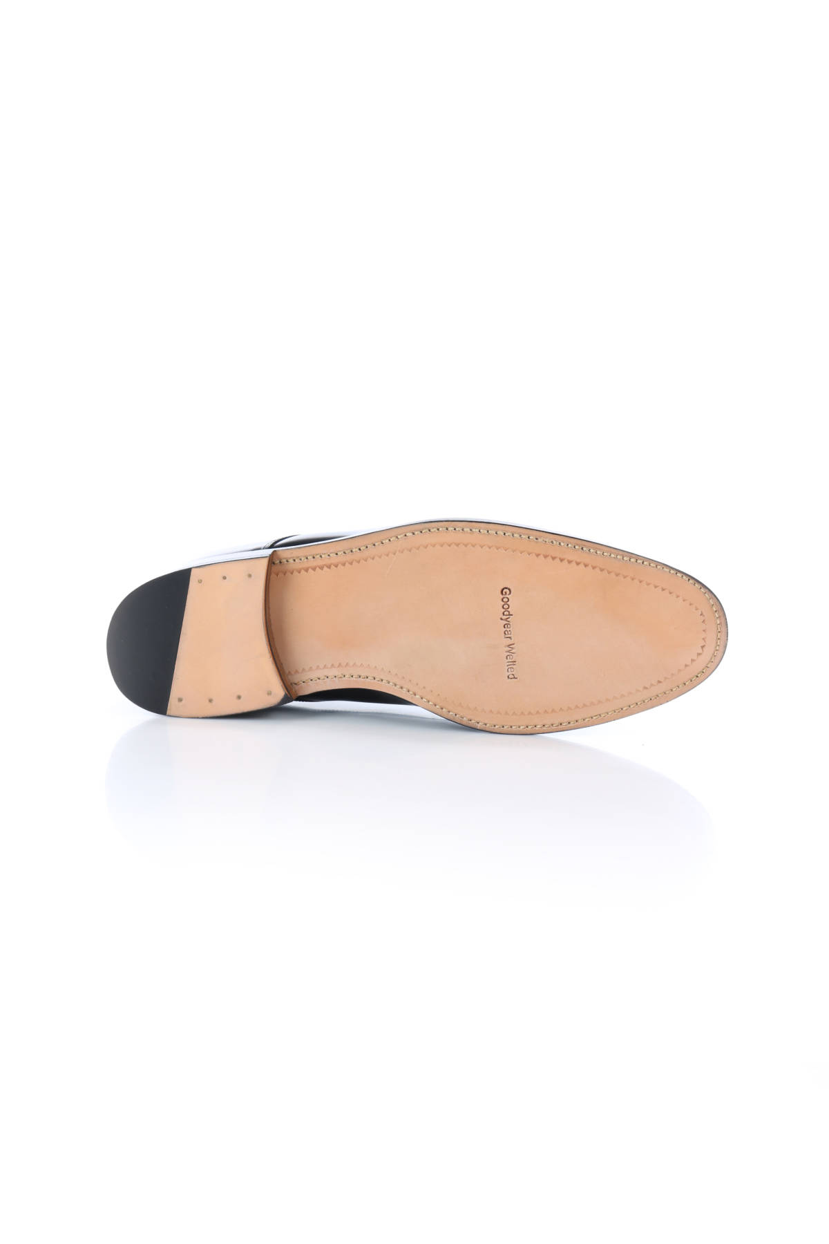 Елегантни обувки British Passport5