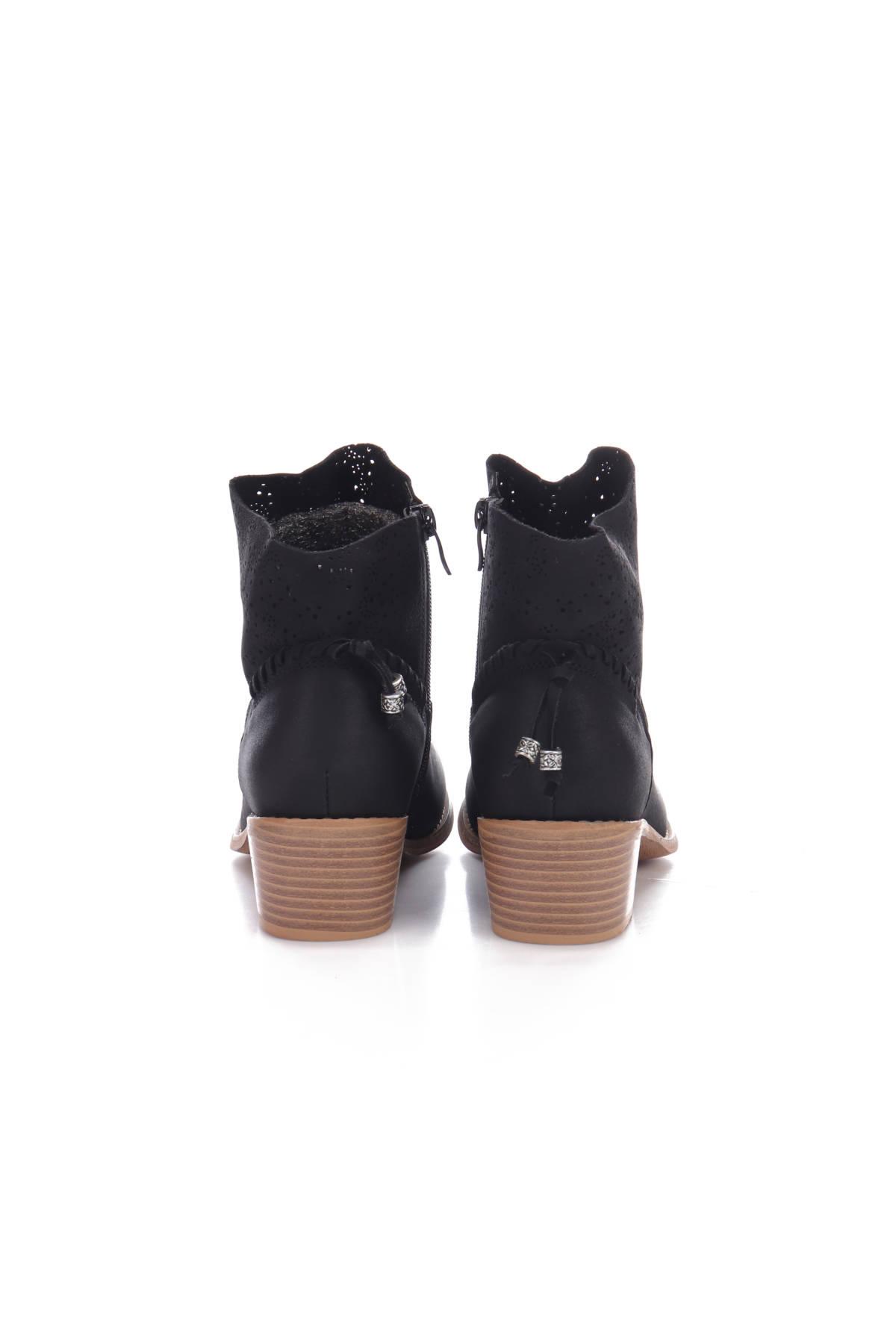 Ниски обувки No Name3