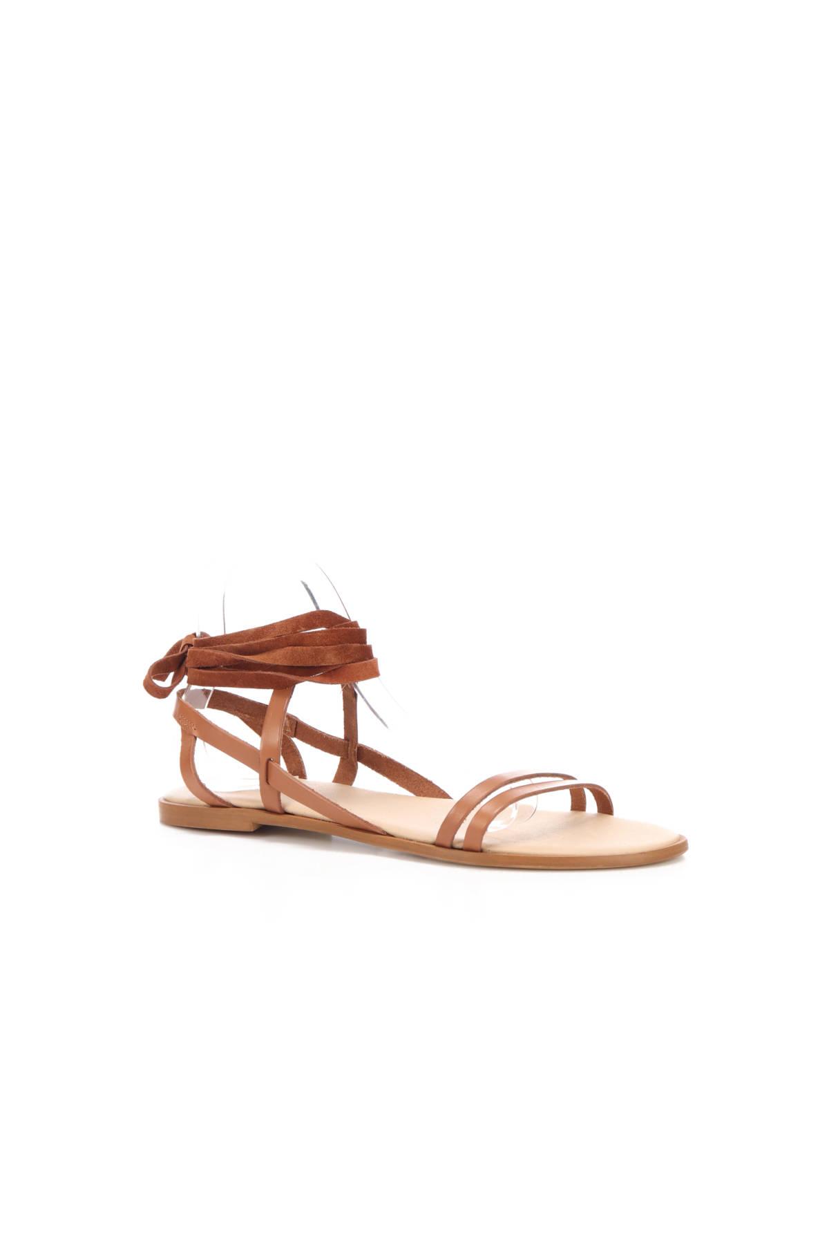 Ниски сандали KIOMI2