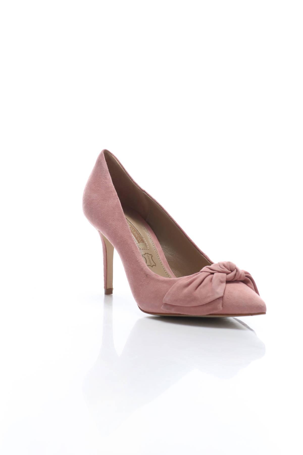 Обувки на ток Buffalo1