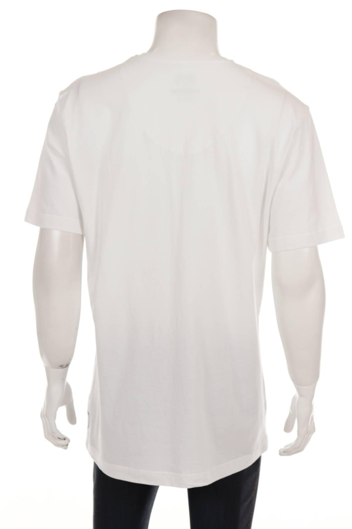 Бельо тениска CECEBA2