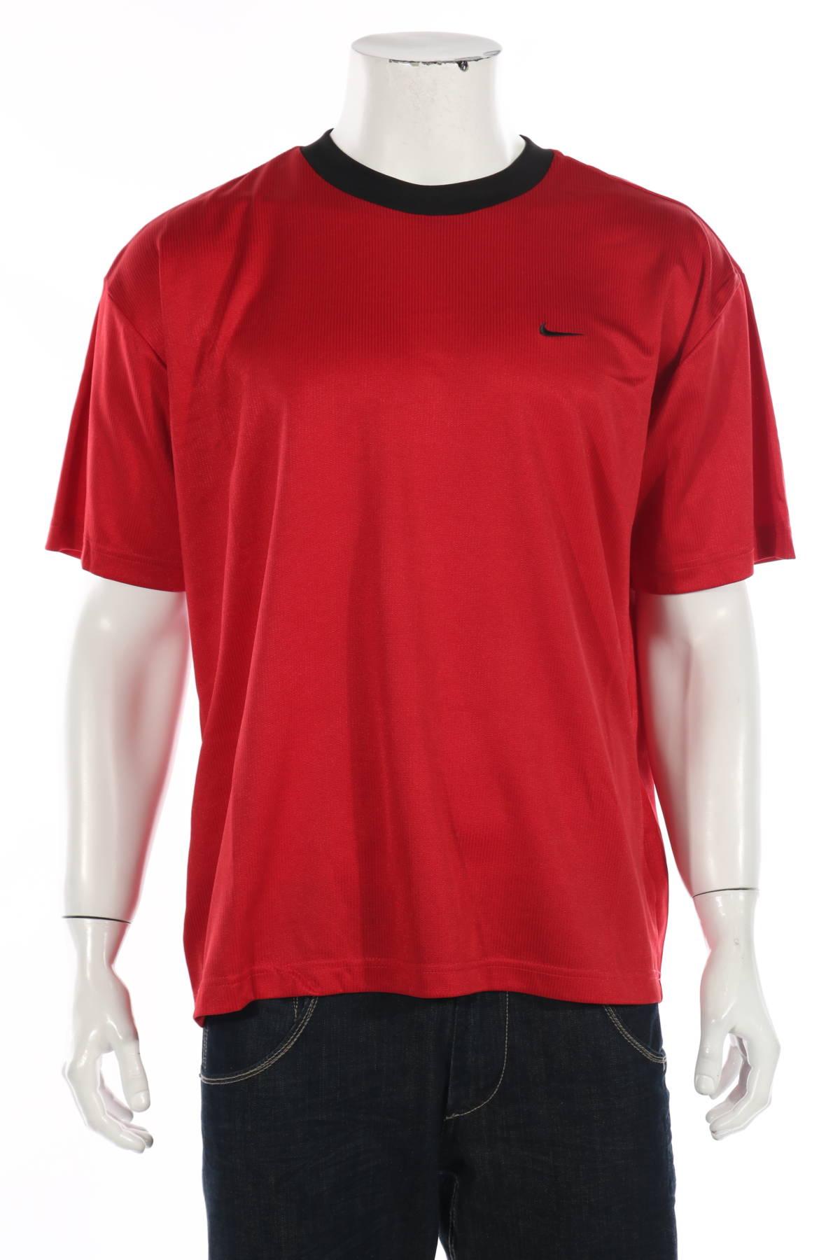 Спортна тениска Nike1