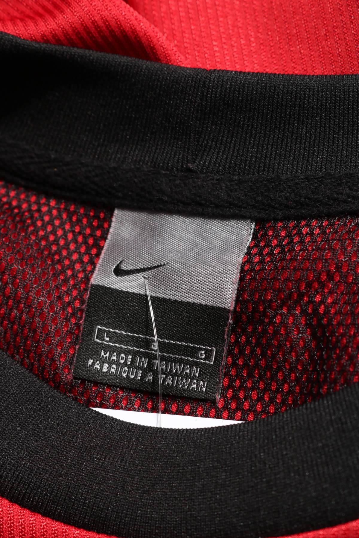 Спортна тениска Nike3