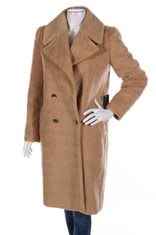 Палто с косъм Forever New